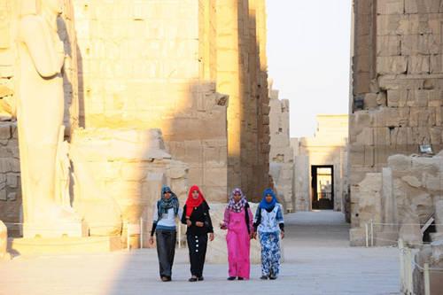 linh-thieng-Karnak -giua-sa-mac-ivivu-7