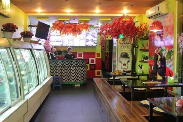 Mizu Shingen Mochi là một trong rất nhiều món tại Sushi và Que, quán chuyên món Nhật.