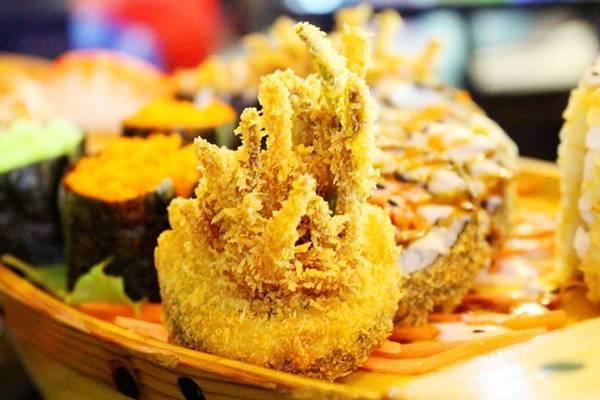 Mắt rồng - dòng sushi nhúng bột, chiên giòn
