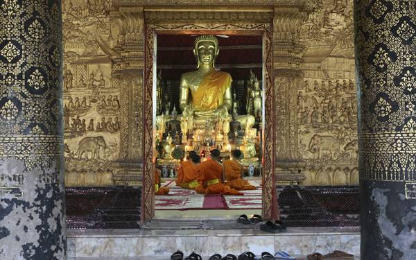 Luang Prabang là nơi tuyệt vời nhất để bạn tham quan hệ thống đền chùa ở Lào.