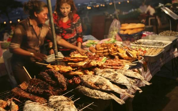 Đặc điểm nổi bật trong các món ăn của Lào là tươi ngon, chế biến đơn giản nhưng hương vị vẫn rất đậm đà, khác biệt