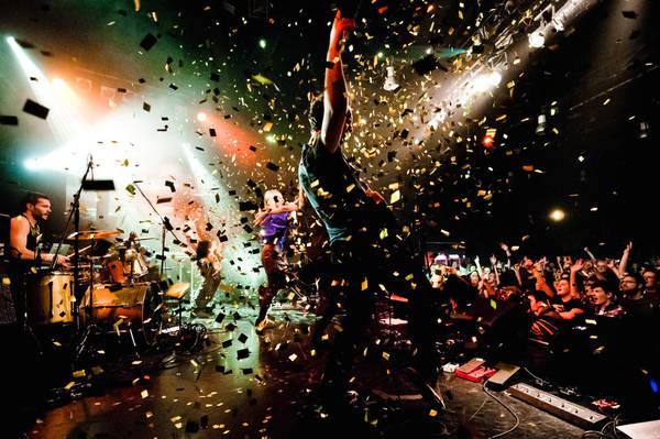 Zagreb, Croatia lúc 00:00 AM. Tác phẩm 'A Band in a Club' (Ban nhạc trong câu lạc bộ), chụp bởi nhiếp ảnh gia Sasa Huzjak.