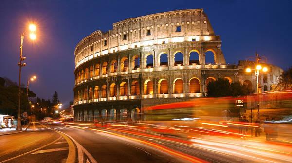 Rome, Ý lúc 01:00 AM. Tác phẩm 'Colosseum' (Đấu Trường La Mã), chụp bởi nhiếp ảnh gia Sergio Martinez Gonzalez.