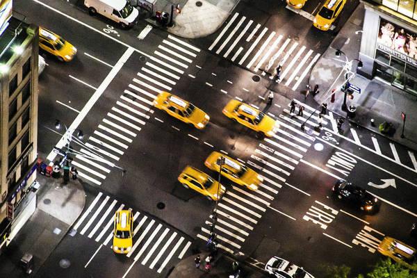 New York lúc 02:00 AM. Tác phẩm 'Crossings', chụp bởi nhiếp ảnh gia Nathaniel Gonzalez