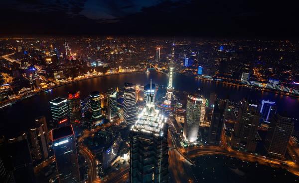 Thượng Hải lúc 10:00 PM: 'On Top of the Stars' (Trên đỉnh những vì sao), chụp bởi nhiếp ảnh gia Paul Reiffer.