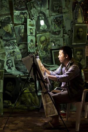 Hồng Kông lúc 10:00 PM. Tác phẩm 'Sketch Artist' (Nghệ sĩ phác thảo), chụp bởi nhiếp ảnh gia Antonio Rojas Jr.