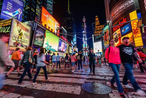 New York lúc 11:00 PM. Tác phẩm 'Times Square' (Quảng trường thời đại), chụp bởi nhiếp ảnh gia Tom Pepper.
