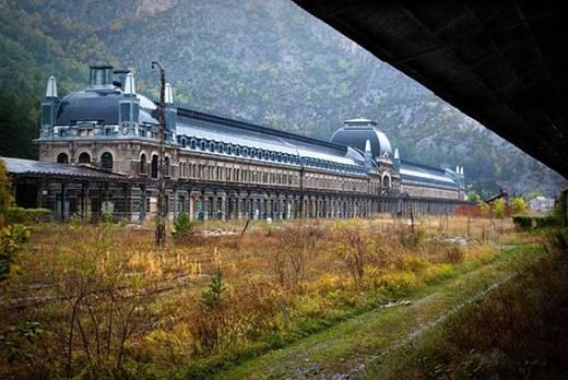 Nhà ga xe lửa Canfranc, Tây Ban Nha