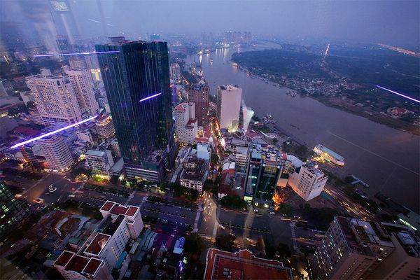 Bức ảnh được chụp từ tầng 68 tòa nhà Bitexco – TP. Hồ Chí Minh.