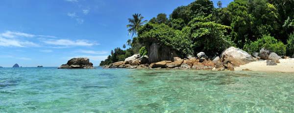 Đảo Perhentian Kecil từng được lọt vào danh sách 100 bãi biển tốt nhất thế giới do CNN bình chọn. Ảnh: Lipstiq.com