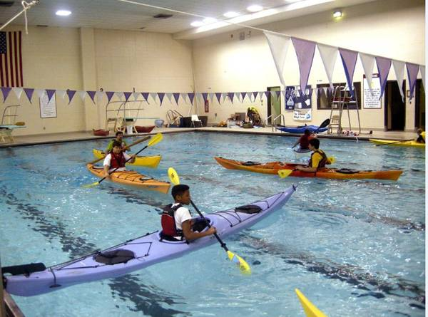 Một lớp dạy chèo thuyền kayak. Ảnh: nps.gov