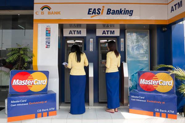 Ở Myanmar không có nhiều các quầy ATM. Ảnh: mmbiztoday.com