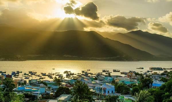 Bình minh tuyệt đẹp trên đảo.