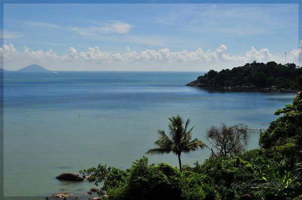 Description: Đảo Hải Tặc nơi lưu luyến bước chân người qua. Ảnh: Hovinhthang/ vnphoto.net