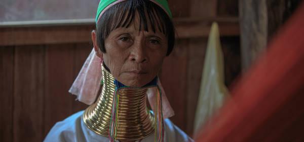 Một người phụ nữ cổ dài của bộ tộc Padaung. Ảnh: Twohumans.travel