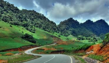 Cung đường tuyệt đẹp lên Mộc Châu. Ảnh: dophuot.com.vn
