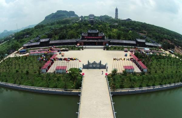 Khuôn viên chùa Bái Đính nhìn từ trên cao. Ảnh: Chuabaidinhninhbinh.vn