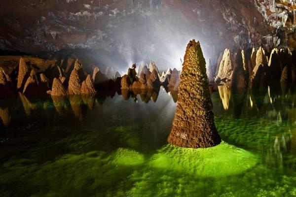 Howard Limbert đánh giá hang Va là hang động đặc biệt nhất thế giới. Ảnh: Howard Limbert cung cấp.