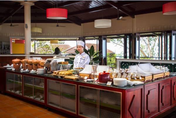 Các món ăn ở nhà hàng rất đa dạng và phong phú. Ảnh: victoriahotels.asia