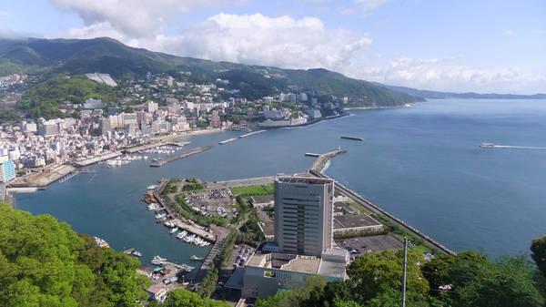 Thành phố Atami nhìn từ trên cao. Ảnh: japan-highlightstravel.com