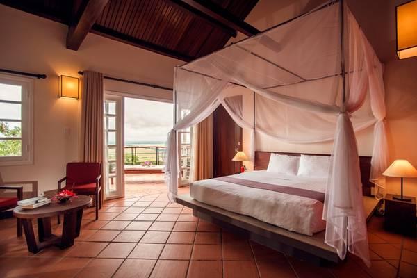 Phòng nghỉ ấm cúng, tiện nghi. Ảnh: victoriahotels.asia