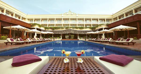 Khuôn viên xanh mát của Victoria Cần Thơ. Ảnh: victoriahotels.asia