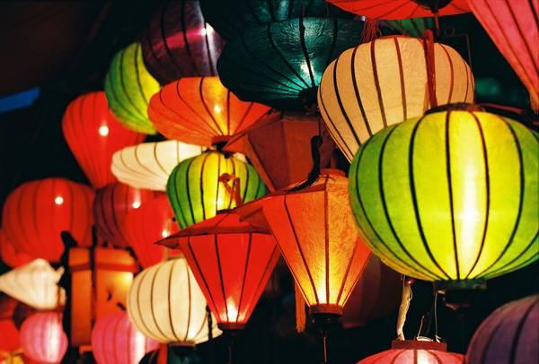 Đèn lồng Hội An rực rỡ sắc màu. Ảnh: flickr.com