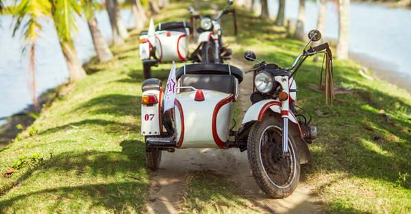 Khám phá Hội An bằng xe ba bánh cổ là sẽ mang đến cho bạn nhiều trải nghiệm thú vị. Ảnh: victoriahotels.asia