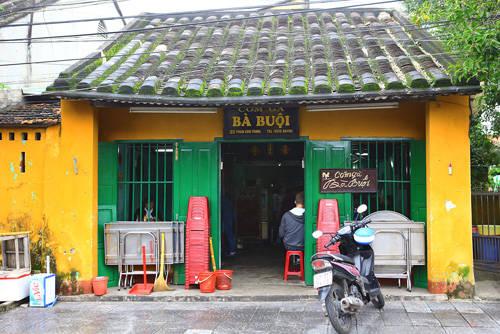Quán cơm gà Bà Buội nổi tiếng ở Hội An. Ảnh: vnexpress.net