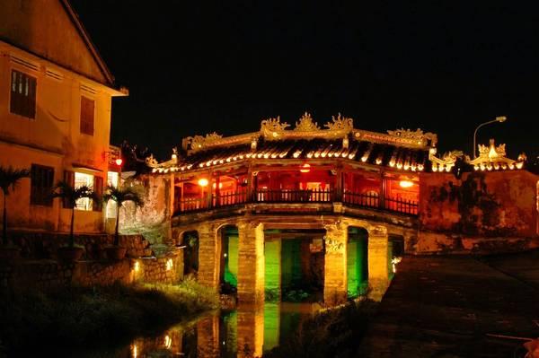 Chùa Cầu là tài sản vô giá và đã chính thức được chọn là biểu tượng của Hội An. Ảnh: plus.google.com
