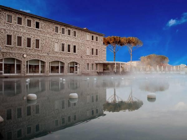 <strong>Khách sạn tốt nhất cho việc dưỡng bệnh: </strong>Terme di Saturnia, Saturnia, Ý. Giá phòng từ 317 USD/mỗi đêm. Ảnh: Jetsetter