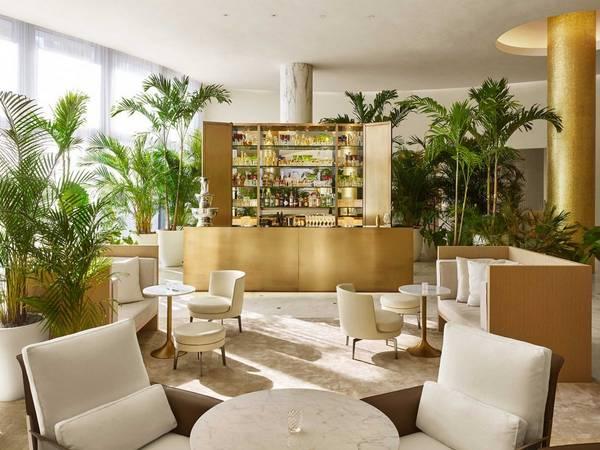 <strong>Khách sạn có thiết kế đẹp nhất: </strong>The Miami Beach EDITION, bãi biển Miami, Florida, Mỹ. Giá phòng từ 290 USD/mỗi đêm. Ảnh: Jetsetter