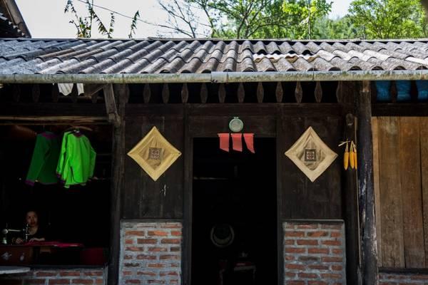 Một ngôi nhà có kiến trúc độc đáo ở Lao Chải. Ảnh: Buffalotours.com