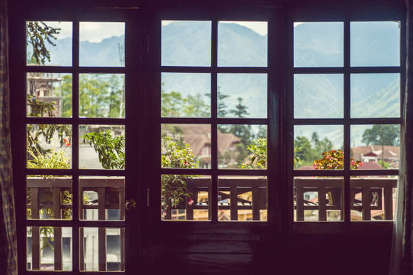 Tầm nhìn xinh đẹp từ phòng nghỉ của khu nghỉ dưỡng. Ảnh: victoriahotels.asia