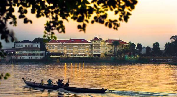 Khách sạn Victoria Châu Đốc nằm ngay bên bờ sông Hậu xinh đẹp.Ảnh: victoriahotels.asia