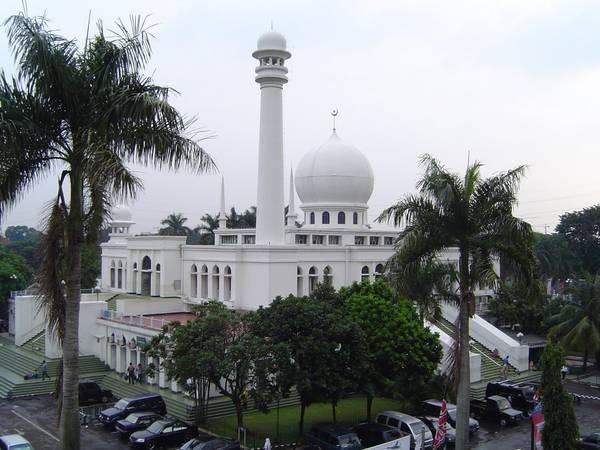 Nhà thờ Hồi giáo Al-Azhar nhìn từ bên ngoài. Ảnh: defence.pk