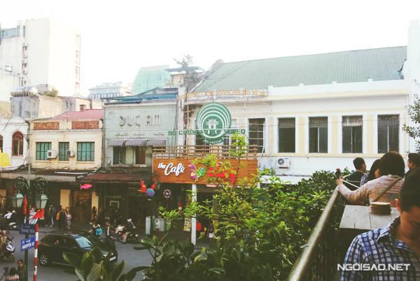 Ban công ngoài trời của Cộng Tràng Tiền được đánh giá là đắt giá nhất Hà Nội. Ảnh: Nguyên Chi
