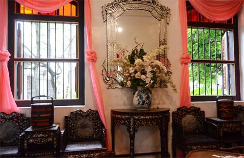 Nội thất trong nhà được bảo tồn gần như nguyên dạng. Ảnh: Nguyên Chi