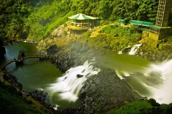 Tầng thấp của thác Đạm ri. Ảnh: PT.