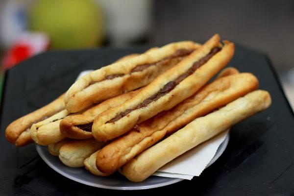 Bánh mì que cũng là một trong những món ngon Hải Phòng.