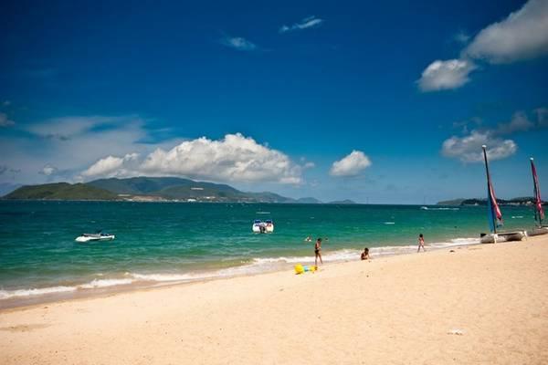 Nha Trang - thành phố của những món ngon từ biển: Bên cạnh hàng loạt các bãi biển, vịnh, đảo tuyệt đẹp, TP Nha Trang còn mê hoặc du khách với những món ăn gắn với thế mạnh của vùng đất này. Ảnh: Eravina.