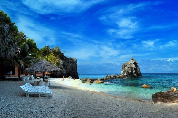 Một góc hoang sơ của đảo Apo. Ảnh: flickr.com