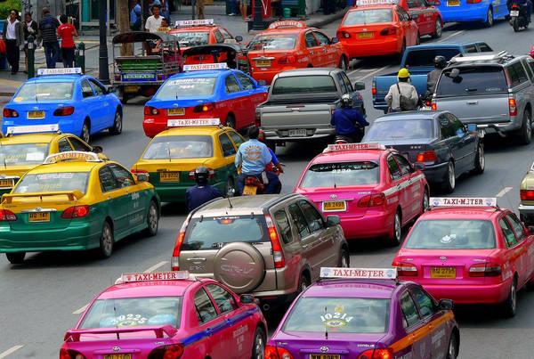 Du khách không quá khó khăn để bắt được xe taxi tại Bangkok. Ảnh: earthlingdaughter.wordpress.com