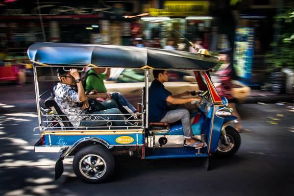 Xe tuk tuk là một phương tiện rất được khách du lịch yêu thích. Ảnh: Supergoodprice
