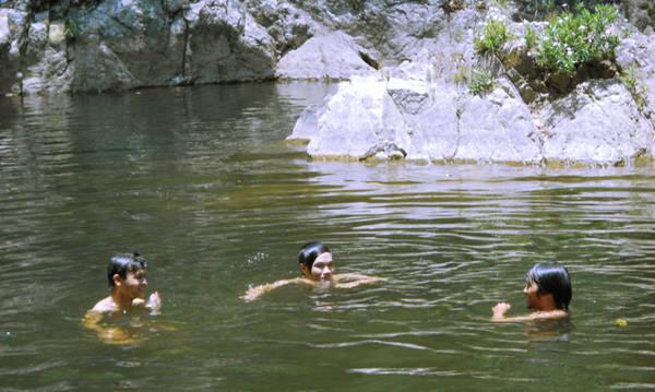 Đến Thác Đổ tha hồ vùng vẫy trong dòng nước mát lạnh