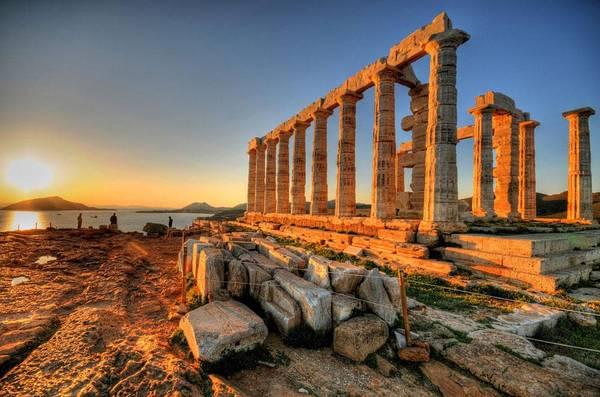 Athens là điểm đến hoàn hảo cho những ai yêu thích tìm hiểu lịch sử. Ảnh: infohostels.com