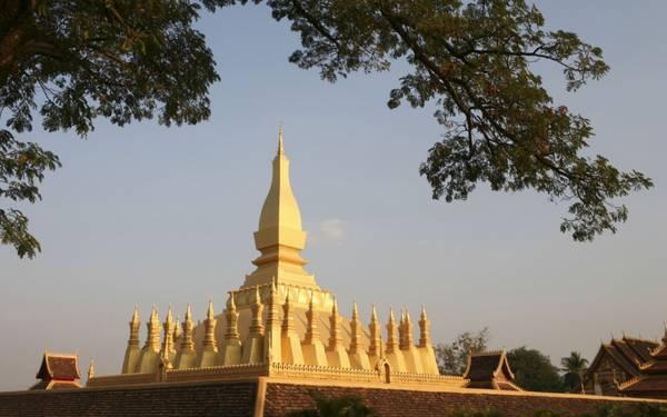 """Pha That Luang là niềm tự hào lớn đối với người dân """"đất nước Triệu voi"""". Ảnh: Roughguides"""