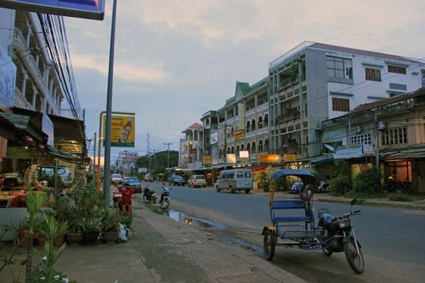 Đường phố ở Pakse. Ảnh: en.vietnamitasenmadrid.com