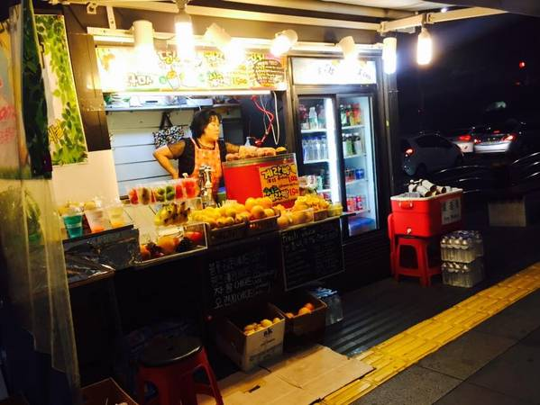 Những quán ăn vỉa hè là nét đặc trưng về đêm của văn hóa ẩm thực Hàn Quốc -3