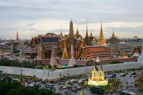 Cung điện hoàng gia - Grand Palace nhìn từ trên cao. Ảnh: atravelmate.com